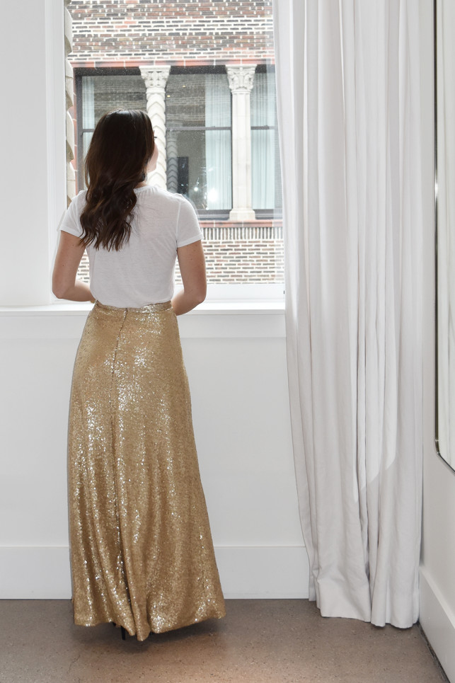 A full-on sequined squirt can turn glam really quickly. To make it feel more effortless, I paired it with a simple white t-shirt. Keep it simple. Keep it classy. http://wovenwithgold.com/